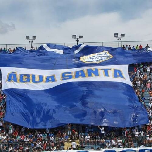 Paulista A1 Asian handicap: Fans of Agua Santa shows their support through a large Agua Santa Banner