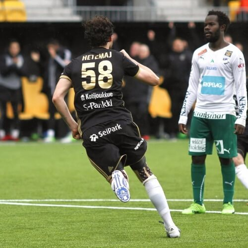Veikkausliiga Asian handicap: SJK's centre-back Mehmet Hetemaj is on the run