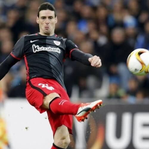 Football Data Analysis: Athletic Bilbao's striker Artiz Aduriz strike his long self made shot
