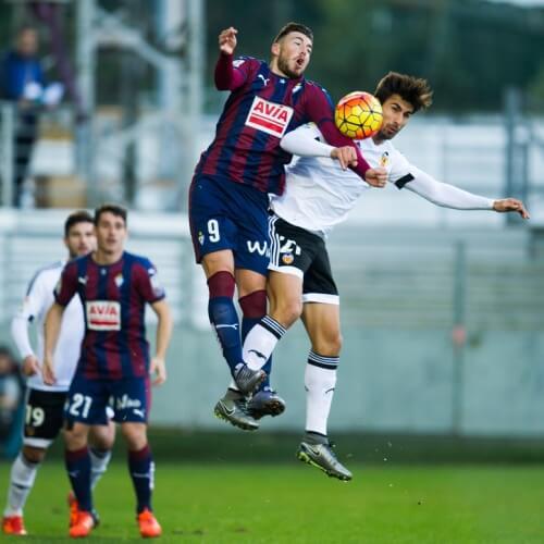 Eibar burned Valencia 2-1