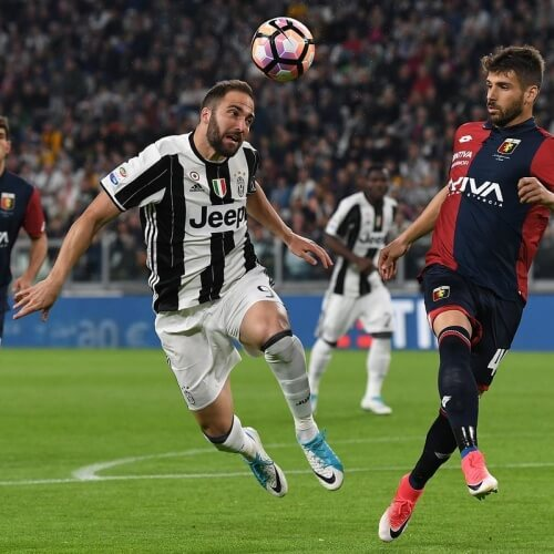 Juventus dumped Genoa 2-0