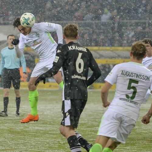 Werder triumphs over Hamburg